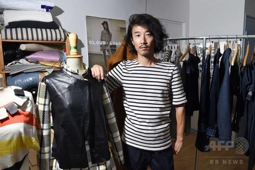 不法滞在の日本人デザイナー、パリ司法宮でファッションショー開催