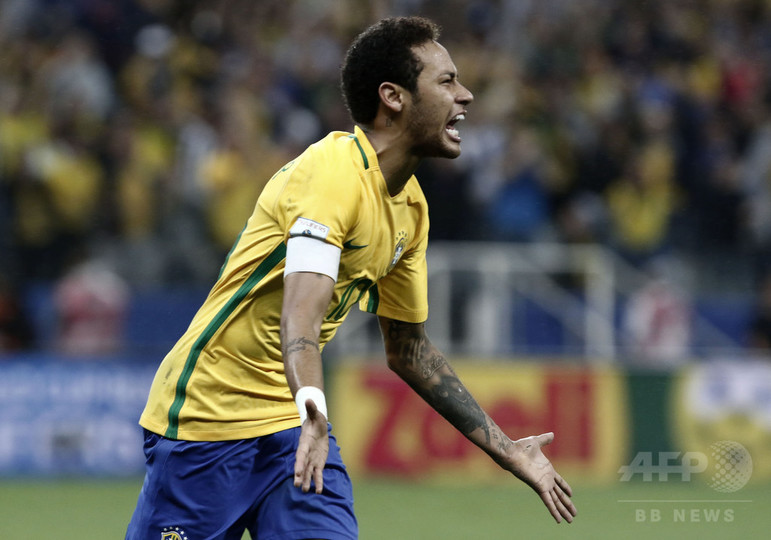ブラジルがW杯一番乗り! ネイマール独走弾などで予選8連勝