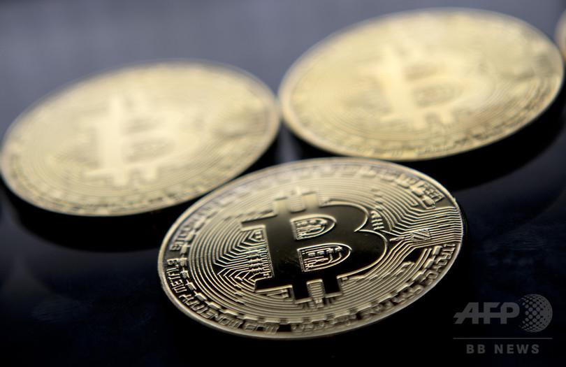 ビットコイン、初めて1万ドルの大台突破