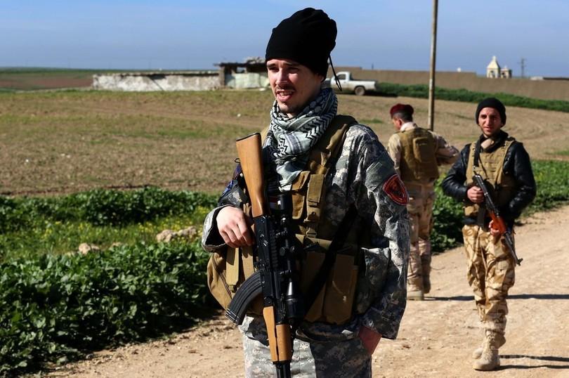 欧米出身の義勇兵、ISと戦うキリ...