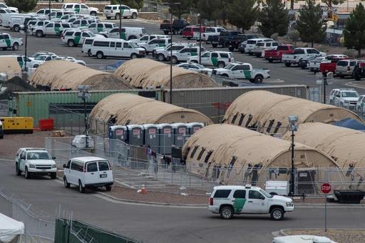 米移民収容施設「超過密状態」 感染症や暴動への懸念で退職者急増