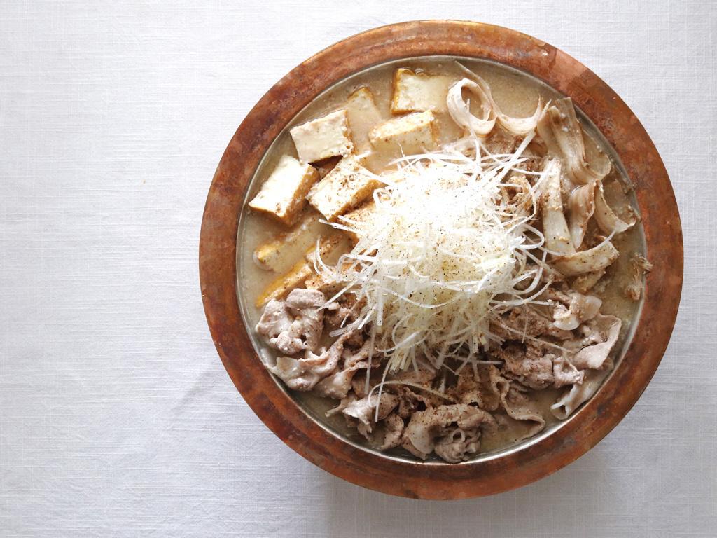 <La Cuillère de marie claire style>第75回 豚肉の酒粕鍋