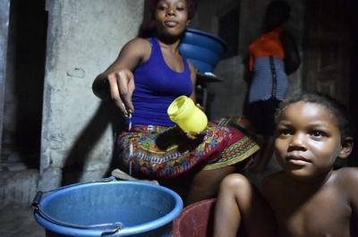 エボラ熱流行、隣国コートジボワールで奇想天外なデマ拡散