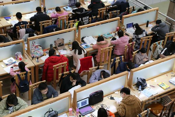 中国で「大学院卒」の学歴は就職に有利か