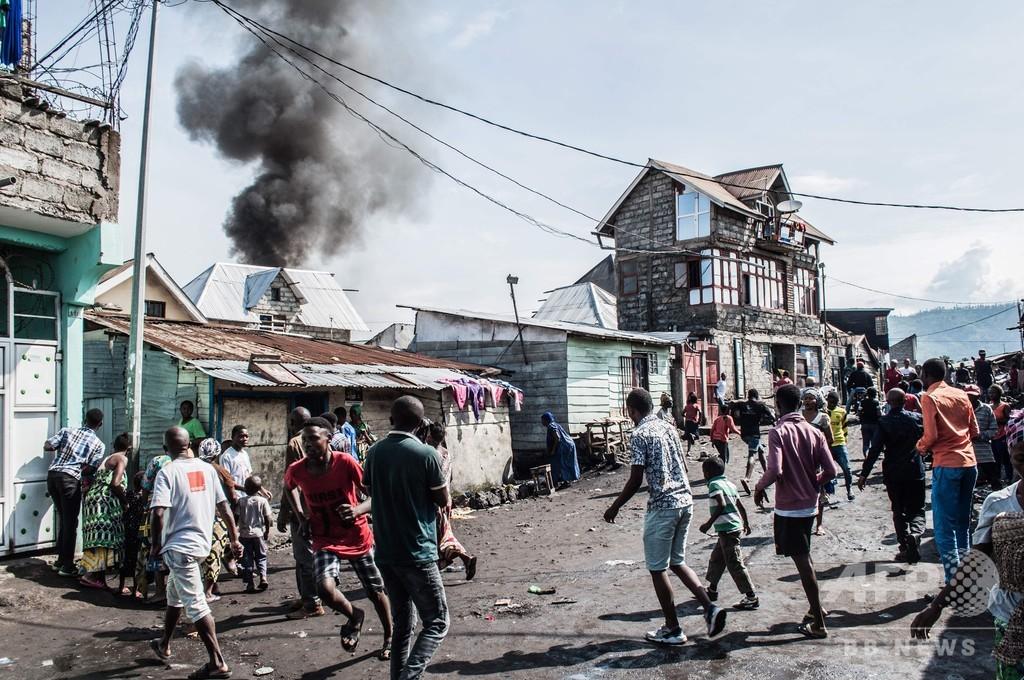 小型旅客機が住宅地に墜落、 29人死亡 コンゴ