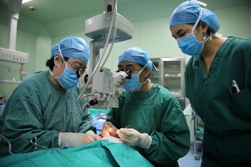 医療の三重保障を目指す新疆、1840億円を投じて健康と貧困対策