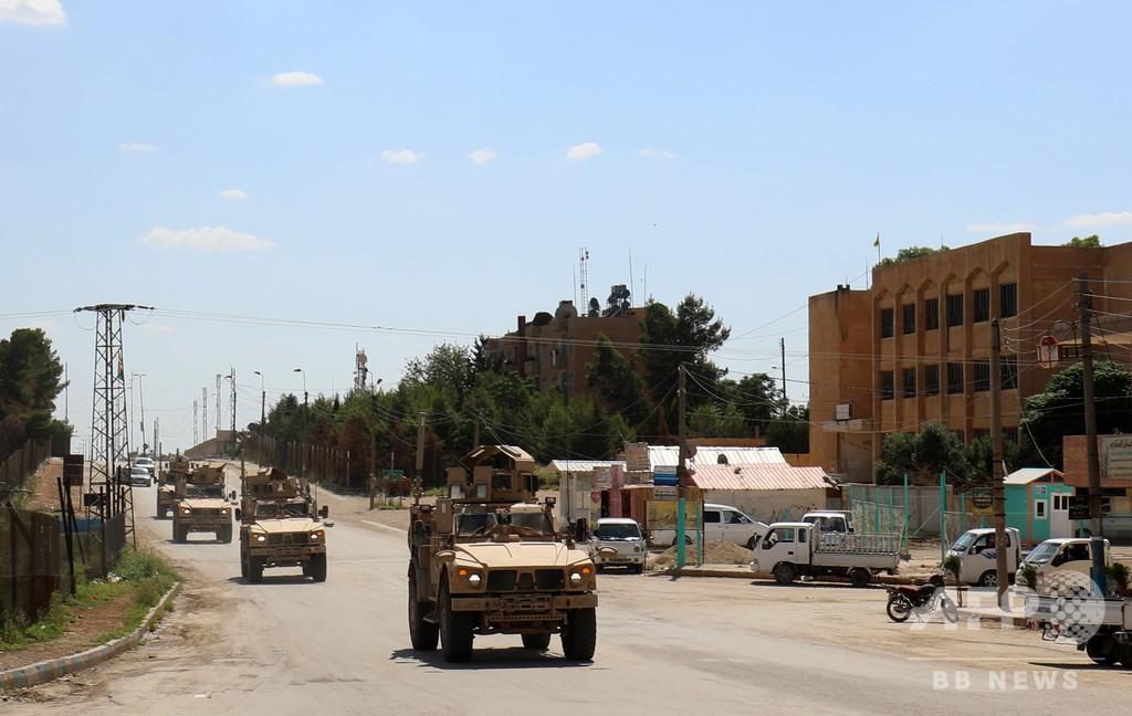 シリア駐留米軍、装備撤収を開始 部隊はまだ撤退せず