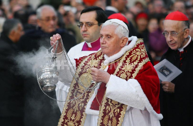 ローマ法王、クリスマスの商業化を非難