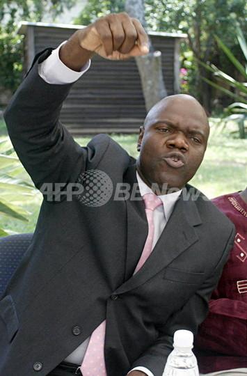 ジンバブエ、野党の有力政治家を拘束