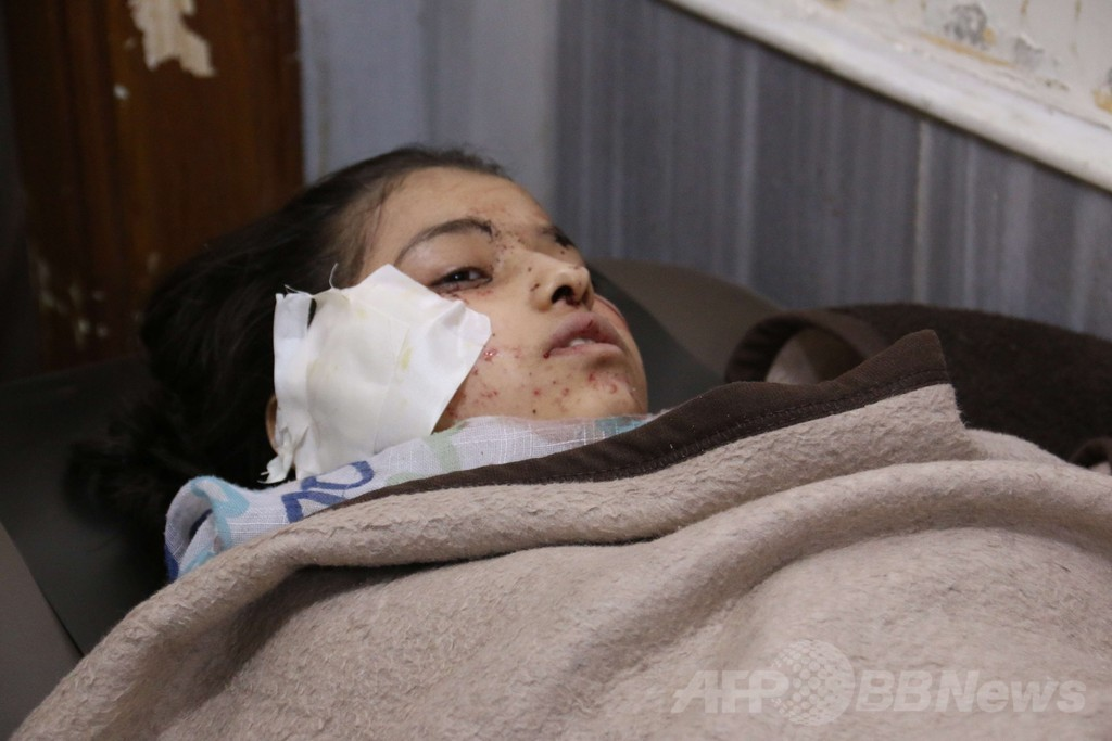 シリア軍が学校空爆、生徒17人死亡