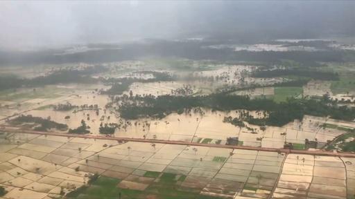 動画:ラオスのダム決壊、冠水した村 空撮
