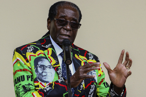 「大統領は10月に死亡」予言した牧師を拘束、ジンバブエ