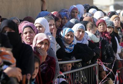 難民へのがん治療拒否が多発、国連機関
