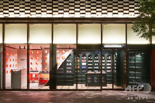 「オフィシーヌ・ユニヴェルセル・ビュリー」日本橋高島屋S.C 1階にオープン