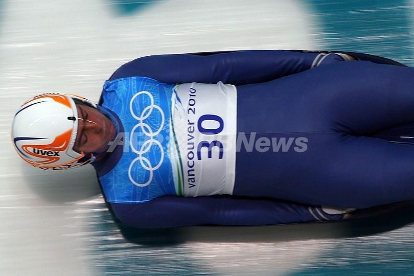 リュージュのグルジア代表選手が練習中の事故で死亡