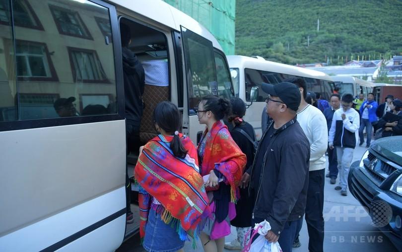 四川・九寨溝の地震 懸命の救助活動続く 外国人もけが