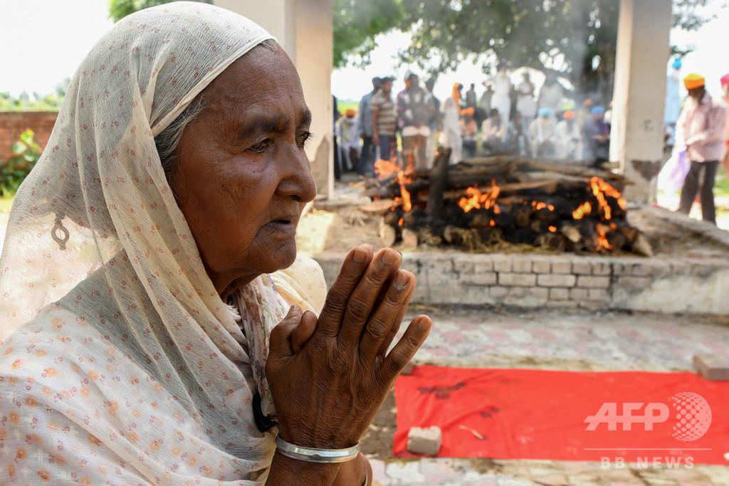 密造酒飲み80人超が死亡、25人逮捕 インド