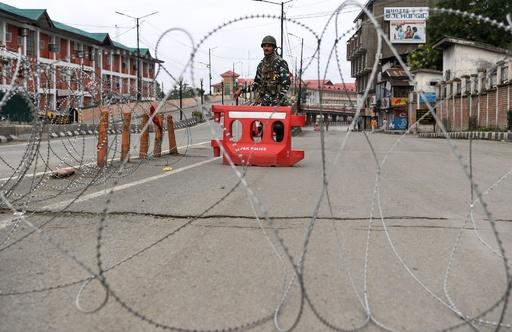 カシミール地方の停戦ラインで印パが交戦、5人死亡