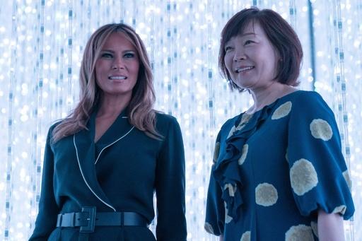 メラニア夫人、昭恵夫人と都内でアート鑑賞 子どもたちと触れ合い笑顔