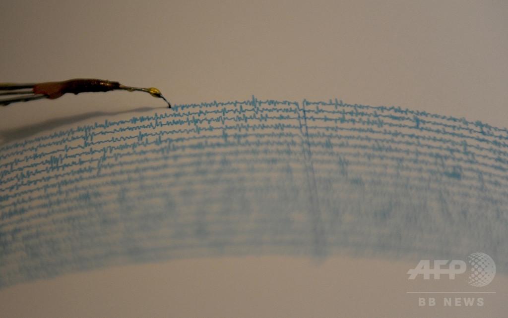 パプアニューギニアでM7.9の地震、一時津波警報