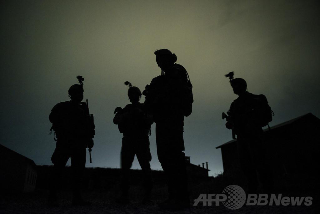 タリバンと戦闘中の米兵5人死亡、誤爆か アフガニスタン