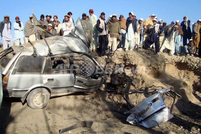 アフガニスタン、複数の爆弾攻撃で18人死亡 カルザイ政権深刻な幕開け
