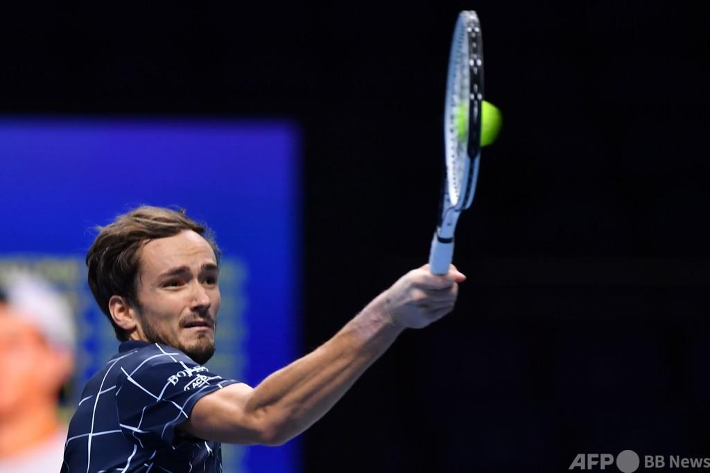 メドベージェフ3連勝、準決勝はナダルと ATPファイナルズ