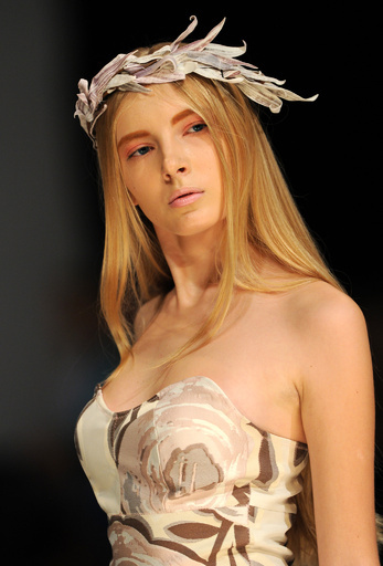 <14年春夏 ベラルーシ・ファッションウィーク>Tanya Arzhanovaらが新作発表