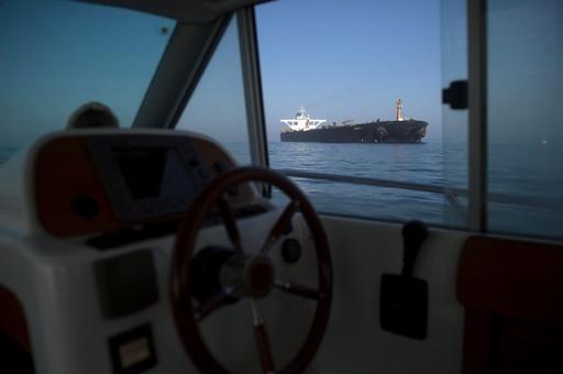 当局が差し押さえ拒否したイランのタンカー、ジブラルタル沖から出航