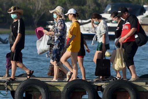 バリ島で中国人5000人立ち往生、中国政府が帰国便手配も乗る人なし?