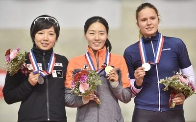 小平が女子500mで再び2位に、スピードスケートW杯