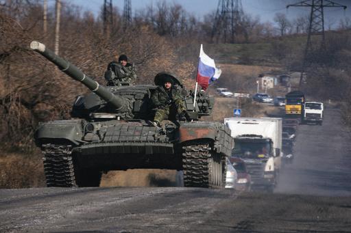 戦車など数十台、ロシアから越境 ウクライナの親露派地域に入る