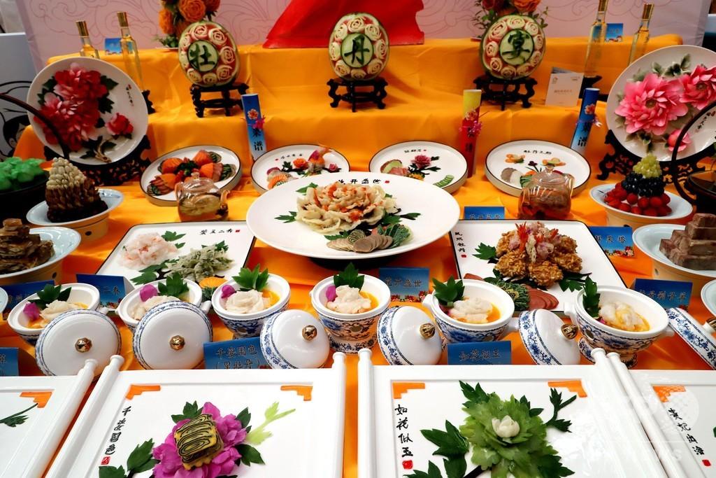 色鮮やか「曹州牡丹宴」 中国シェフ・フェスティバルに出展