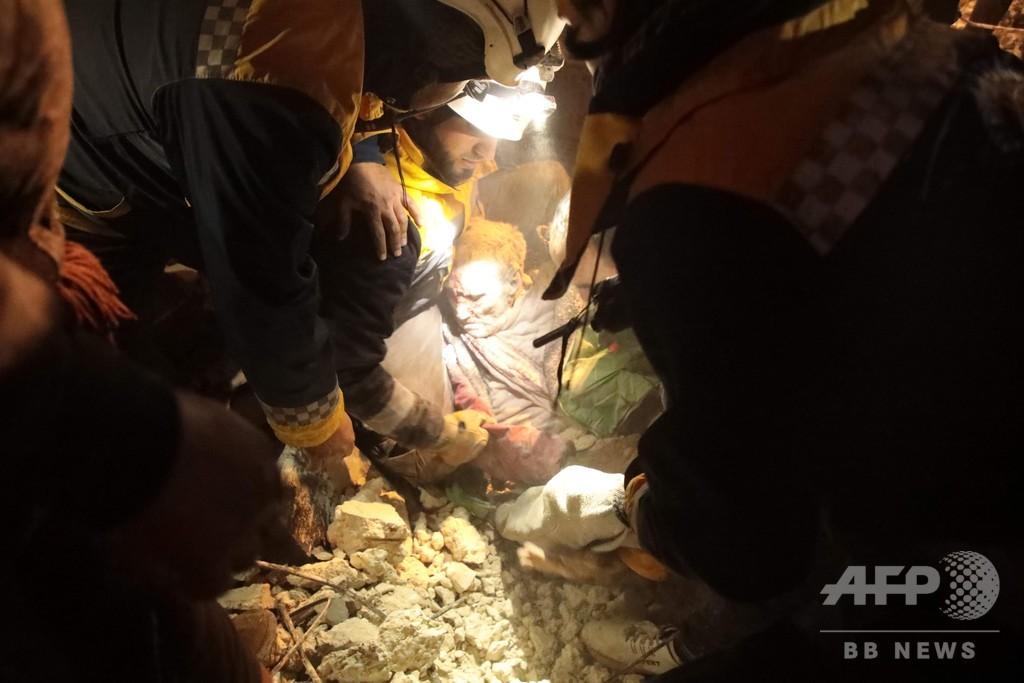 シリア北西部でロシア軍が空爆、子ども13人含む23人死亡