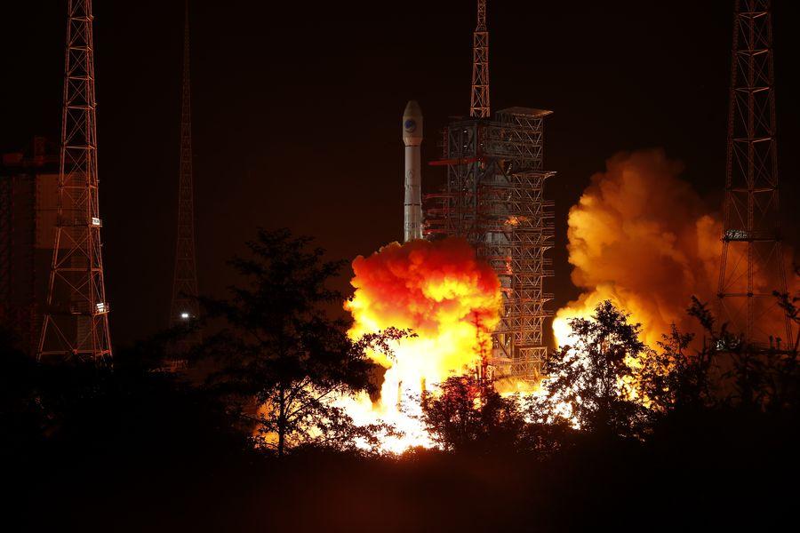 中国、北斗ナビの49基目衛星打ち上げ成功