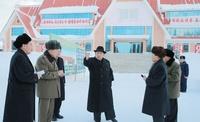 金正恩氏、白頭山に登頂 北朝鮮