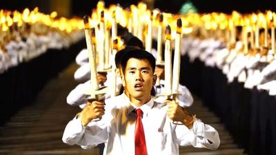 動画:平壌で「たいまつの行進」 北朝鮮建国70周年
