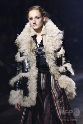 エルバスの生誕地モロッコの遊牧民スタイルを都会的に表現、「ランバン」15/16秋冬