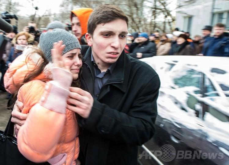 学校で教師と警官を射殺した男子生徒を拘束、モスクワ