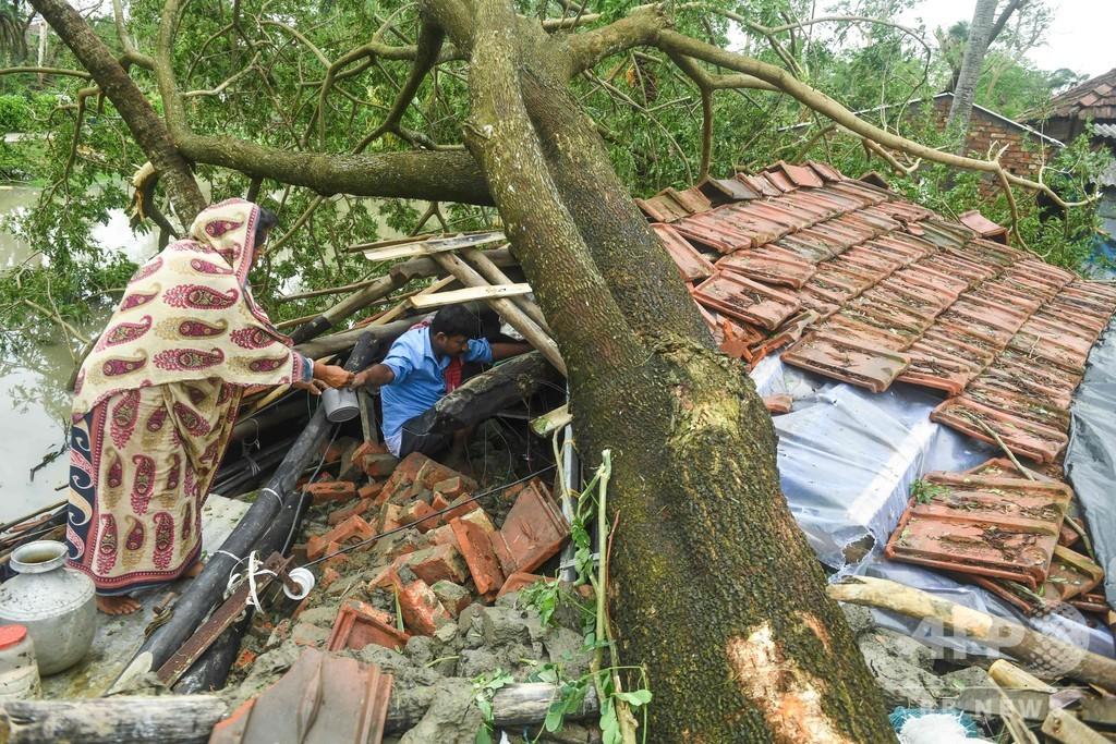 インドとバングラ直撃のスーパーサイクロン 84人死亡、300万人避難