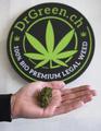スイスの合法マリフアナ、たばこ同様の課税・警告表示で売り上げ増