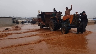 動画:シリアの避難民キャンプで洪水被害