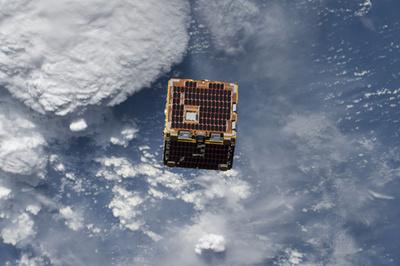 「軌道上サービス」 宇宙ごみ問題の解決策となるか