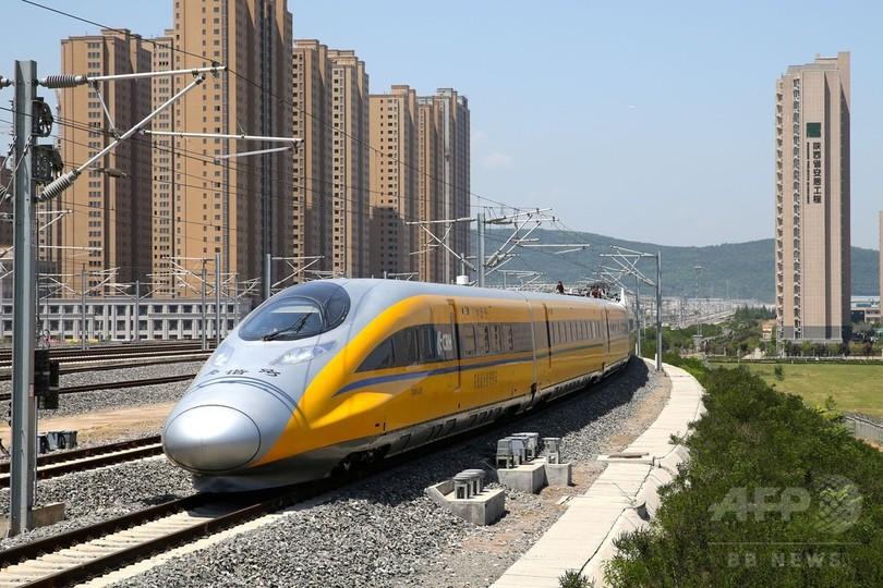 「一帯一路」鉄道の試運転実施 年内開通予定