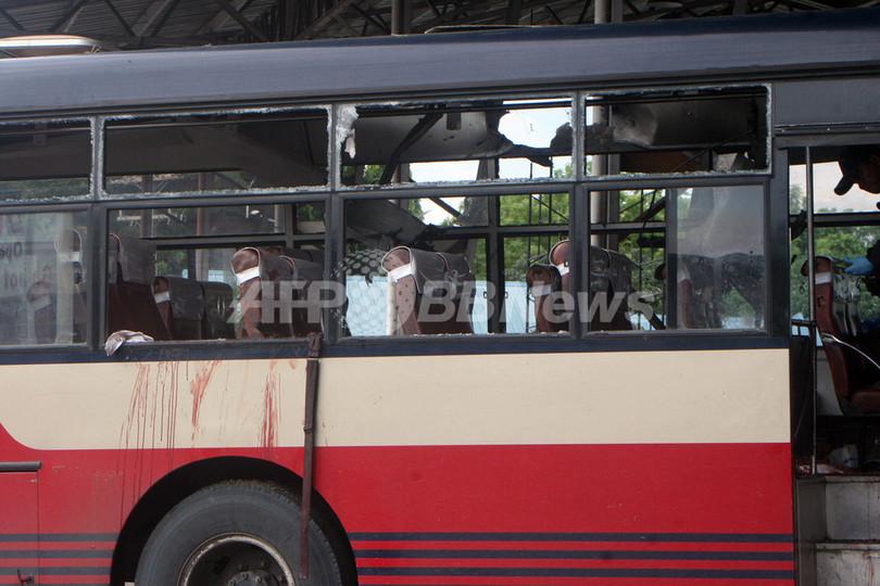 フィリピン・ミンダナオ島、停車中のバスが爆発 5人死亡