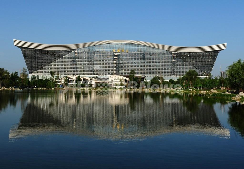世界最大の単体建造物に賛否両論、中国