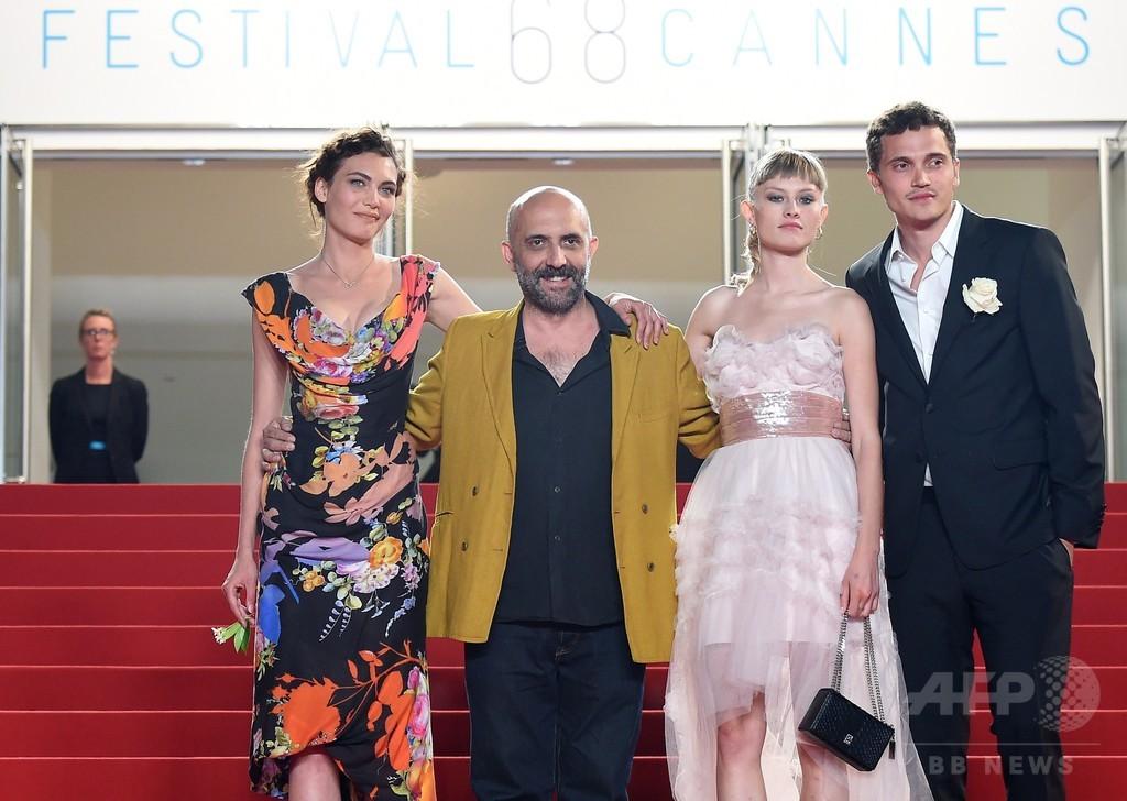 露骨シーン満載の3D映画『Love』、カンヌ上映で物議
