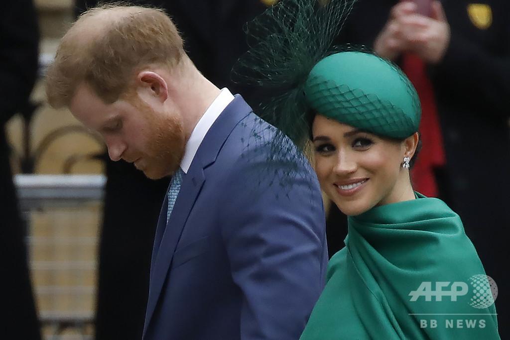 ヘンリー王子夫妻、伝記本には「協力していない」 メーガン妃弁護士