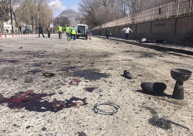 アフガニスタン首都で自爆攻撃、26人死亡