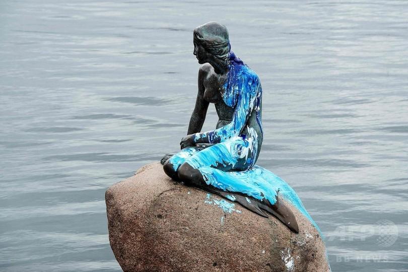 人魚姫の像がまた被害、青と白の塗料かけられる デンマーク
